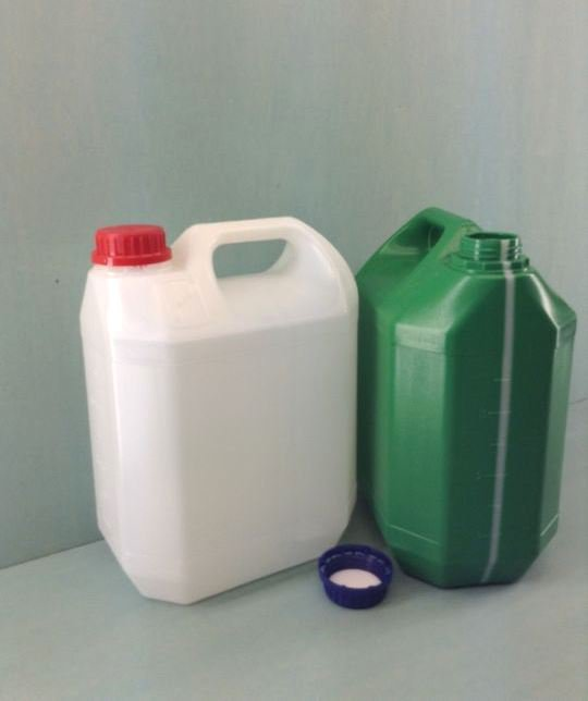 Емкость для технических жидкостей 4,4 л